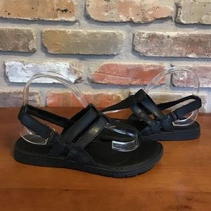 BORN Black T-Strap Thong Sandals